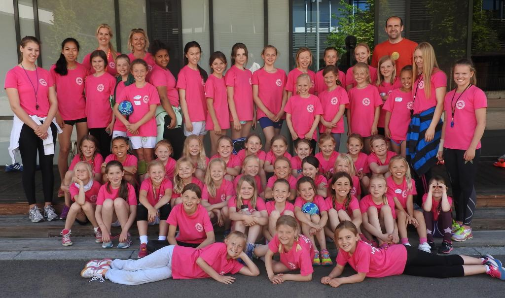 1-snaroya-handballskole-2015-foto-paal-alme-12