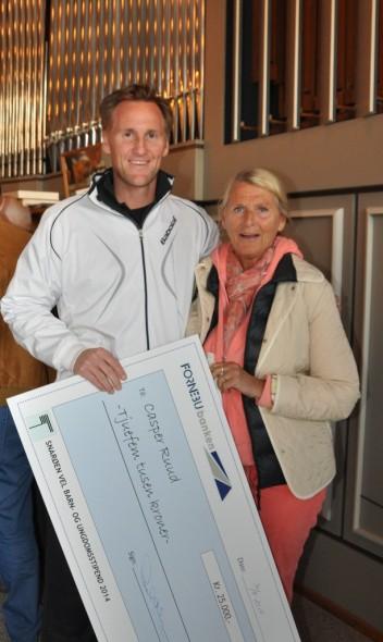 To generasjoner Ruud stilte opp på årsmøtet og fikk gleden av å hente hjem stipendet til familiens flotte idrettsutøver.