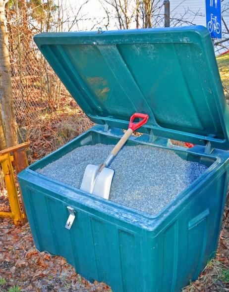 Godt med sand i vellets kasser. Gjør gjerne en jobb for fellesskapet.